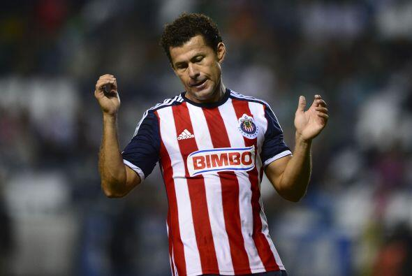 El 9 de Chivas jugó 2 torneos en el 2013 con el rebaño sagrado en los cu...