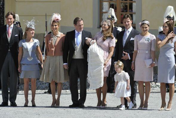 La familia real se reunió para celebrar el bautizo de la princesa.