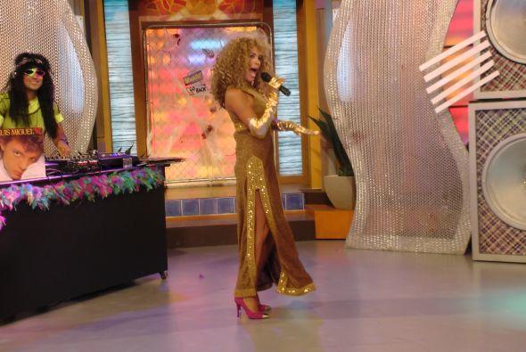 Karla Martínez se divirtió haciéndola de Verónica Castro en el que fue u...
