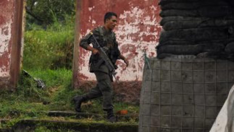 Dos muertos y nueve heridos dejó un ataque con ametralladoras y cohetes...