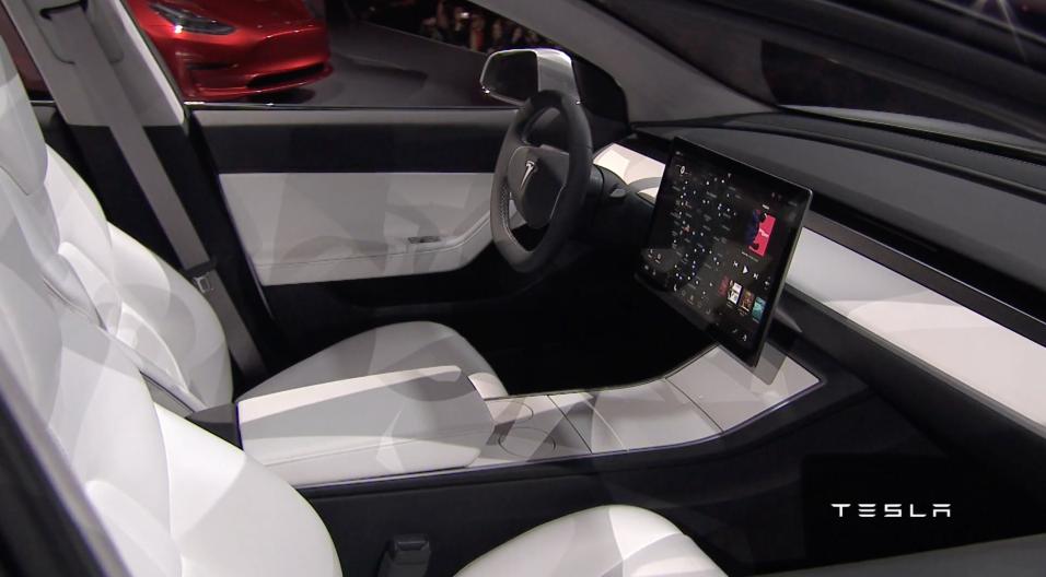 Una única pantalla alberga los instrumentos y controles del Tesla Model 3