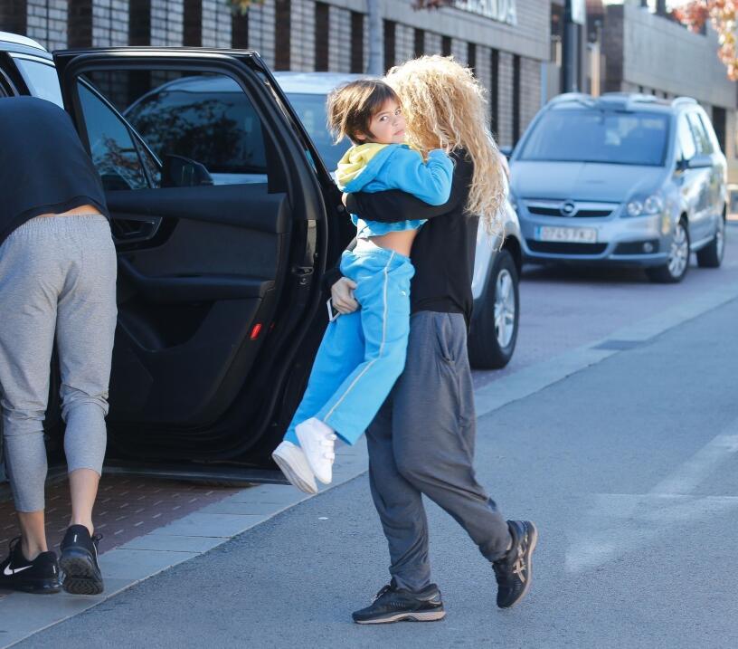 Este martes se informó que Shakira se vio obligada a posponer el...