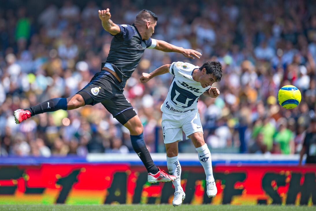 En fotos: Chivas perdonó a Pumas con Alanís como héroe y villano 2018022...
