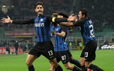 Ganó el Inter con goles de Skriniar y Ranocchia ante el Benevento.