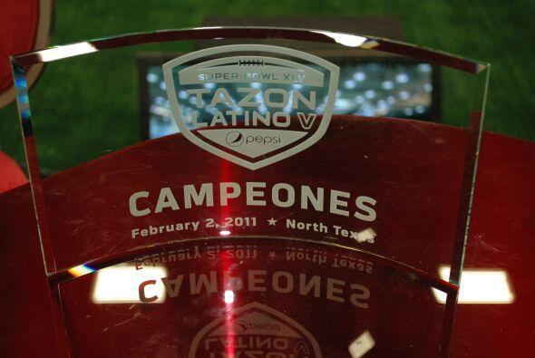 El codiciado trofeo premio a los ganadores.