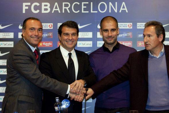 El 20 de enero de 2010 se anunció el compromiso del técnico de permanece...