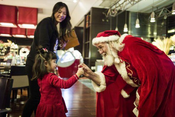 La ilusión que transmite la mirada de los niños que ven a Santa es inigu...