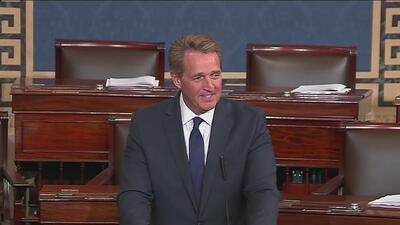 Jeff Flake se despide del Senado