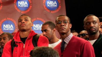 Jugadores de la NBA durante la huelga que tiene en jaque la temporada 20...