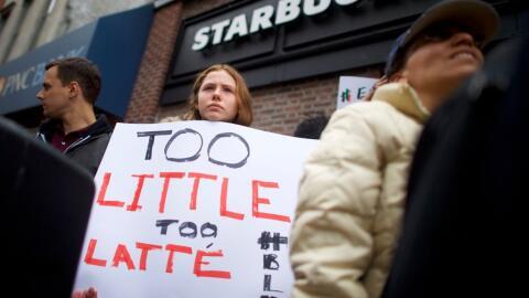 Protesta frente a la tienda donde ocurrió el incidente en Filadel...
