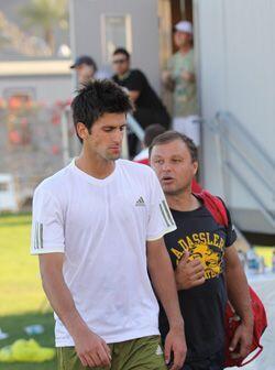 El serbio Novak Djokovic no sólo es el campeón defensor de Indian Wells...