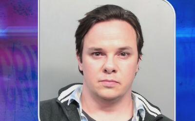 Abogado de Miami Beach es acusado de acosar, incluso con un GPS, a su ex...