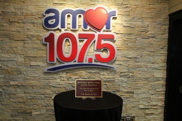 Hoy rendimos homenaje a nuestra Reina de la Radio Betty Pino. Se nombro...