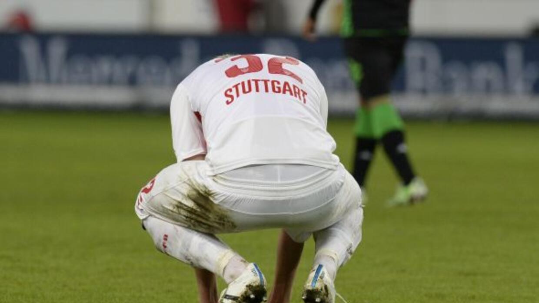 El jugador de l Stuttgart cometió un grave error en el juego ante el Dor...