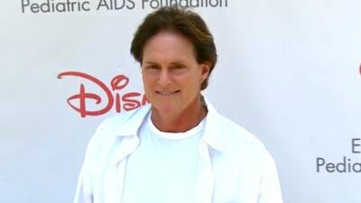 Bruce Jenner sufre burlas en campo de golf