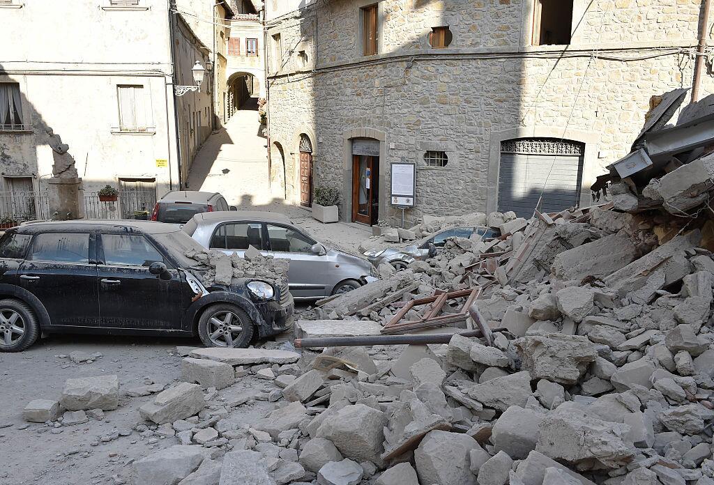 Potente terremoto estremece el centro de Italia y Roma arcuata8.jpg