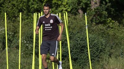 La soledad de Diego Reyes en el entrenamiento de México: cada vez se aleja más del Mundial