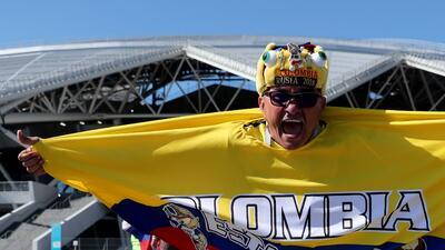 El colorido de la fiesta entre los hinchas para el duelo de Colombia y Senegal