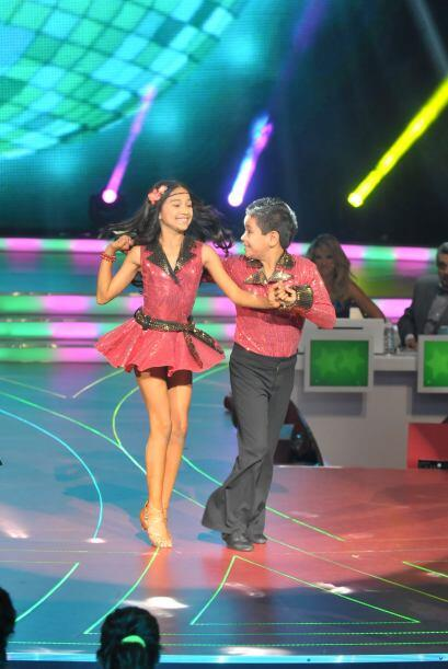 La pareja de los Súper Poderosos le puso mucha energía a su coreografía.