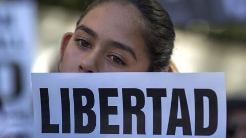 Fátima Avélica en una protesta que pedía la liberación de su padre, Rómu...