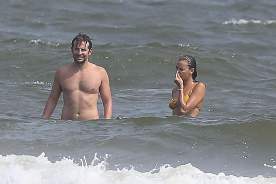 Irina Shayk ya conoce a la madre de Bradley Cooper TID_BCAISE150906_28.JPG