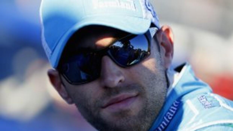 Aric Almirola fue primer lugar en el Coke Zero 400 de Daytona Beach.