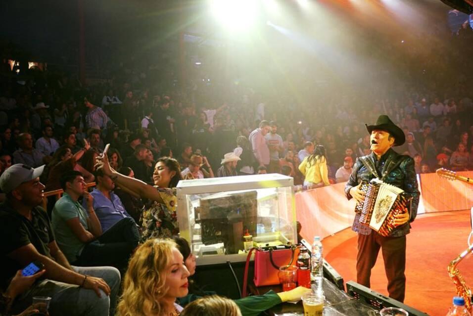 Los corridos y la música norteña de Los Tigres son muy populares en tier...