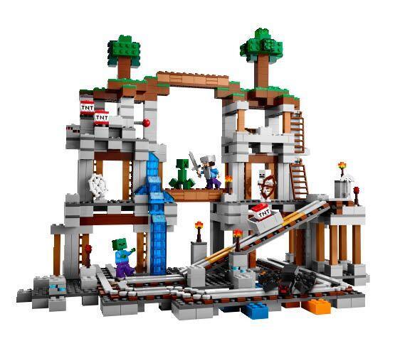 LEGO Minecraft The Mine.  Con este juego de bloques para armar, tu niño...