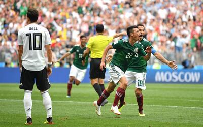 Hirving Lozano festeja su gol ante Alemania