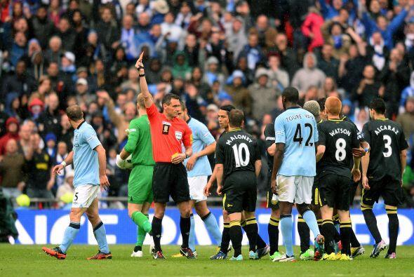 El Manchester City se quedaba con uno menos y el marcador empatado.