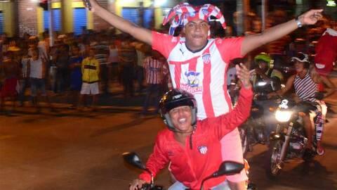 Un simple tuit desató la locura en Barranquila, Colombia. Despu&e...