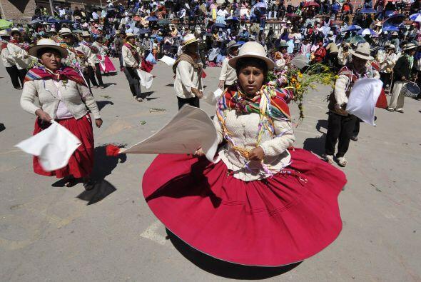 El Carnaval de Bolivia comenzó pese a las lluvias que aquejaron al país...
