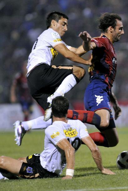 Con el resultado, el Cerro Porteño lidera el grupo tras el empate 0-0 re...