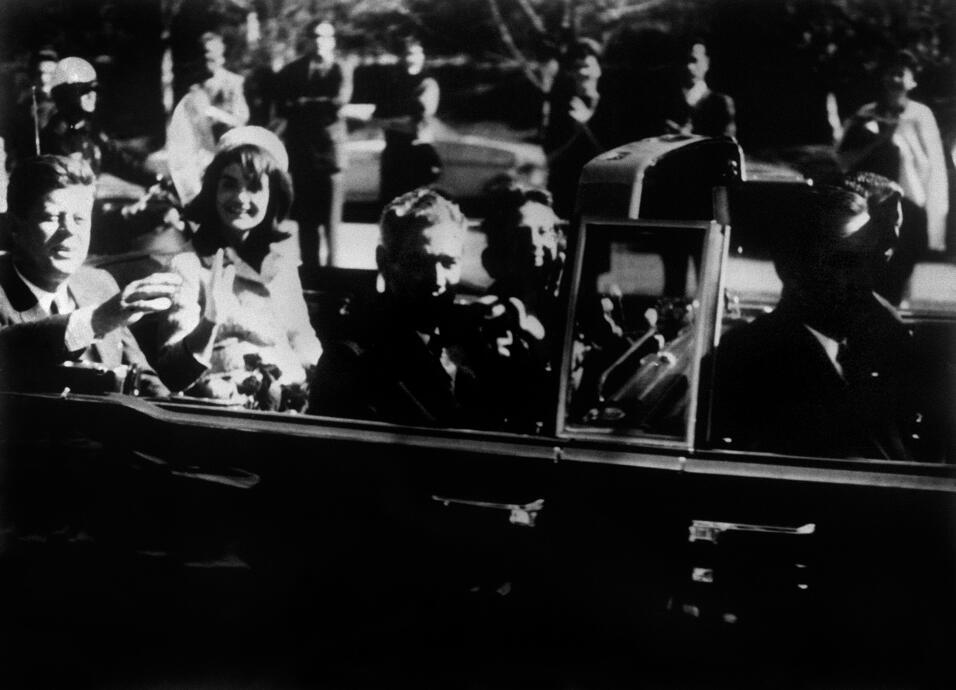 Donald Trump no estrena limusina en su inauguración GettyImages-10393745...