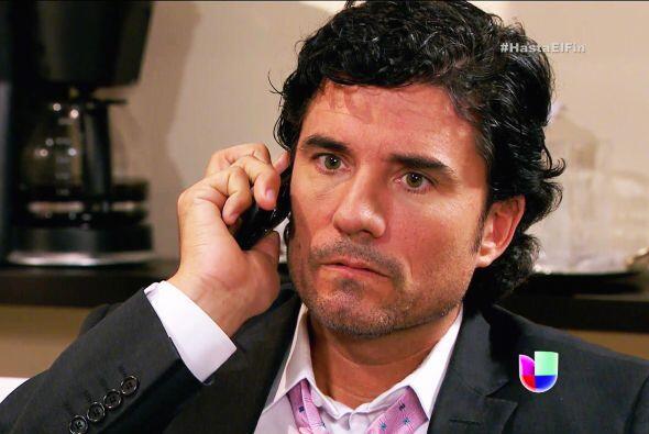 Escuchaste bien Armando, tu compadre Salvador se fue derechito a la c&aa...