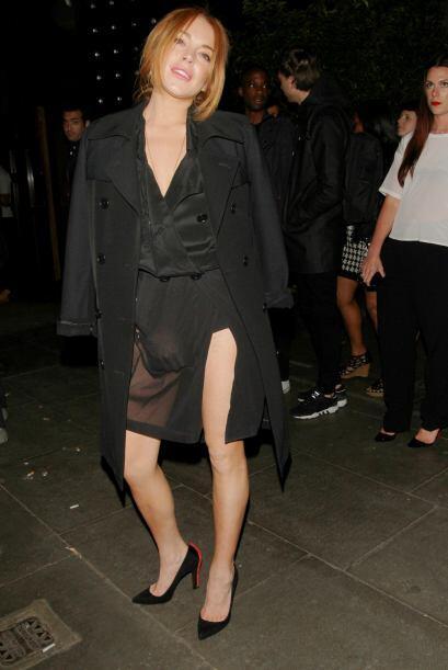 Lindsay Lohan escogió la tela traslúcida para demostrarnos que no solo s...