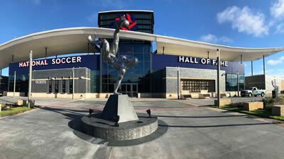 La nueva sede del Salón de la Fama del Fútbol de EE.UU. se inaugura con la incorporación de la Generación de 2018