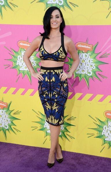 Katy Perry y su alegre personalidad se reflejan en los sujetadores tipo...
