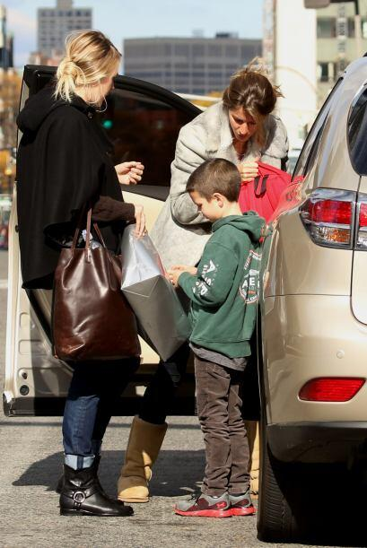 Sin duda es un desafío cuidar a los hijos de las celebridades, más por l...