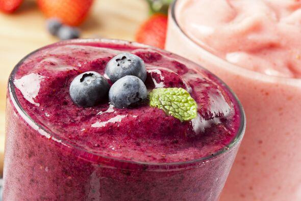 'Smoothie' básico de fruta. Licúa ¾ taza de avena arrollada, ½ taza de y...