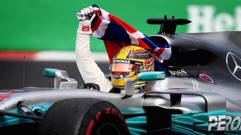 El piloto holandés se llevó el GP de México tras to...