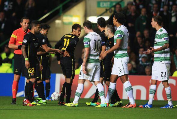 Para el segundo tiempo, una polémica jugada en la que Neymar recibió una...