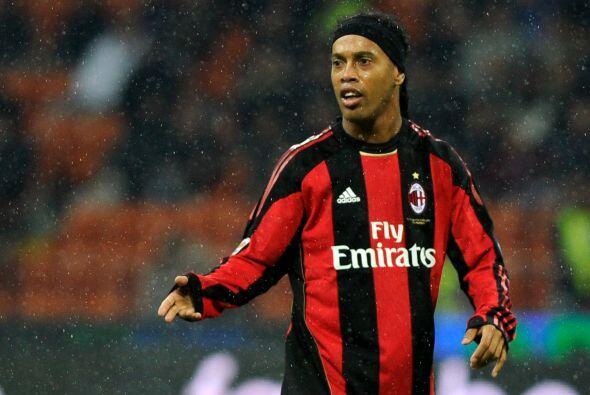 ''Quiero jugar el Mundial 2010 y el 2014'': Ronaldinho.