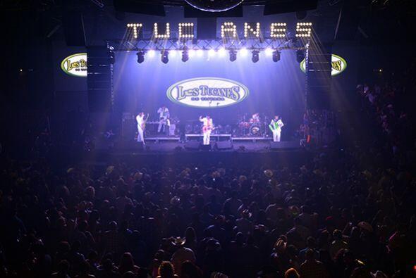 Aún faltaba una última agrupación: Los Tucanes de Tijuana. Fotos cortesí...