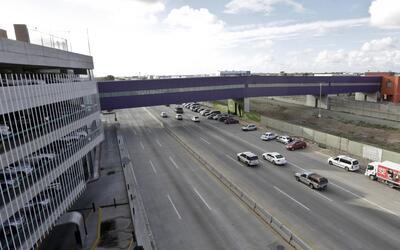 Perspectiva desde Tijuana del CBX, puente entre Estados Unidos y M&eacut...