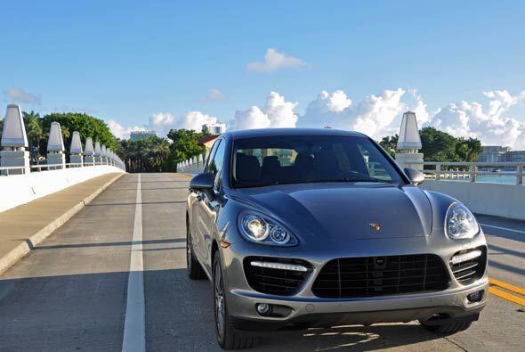 A la entrada de Star Island, donde viven los ricos y famosos en Miami Be...
