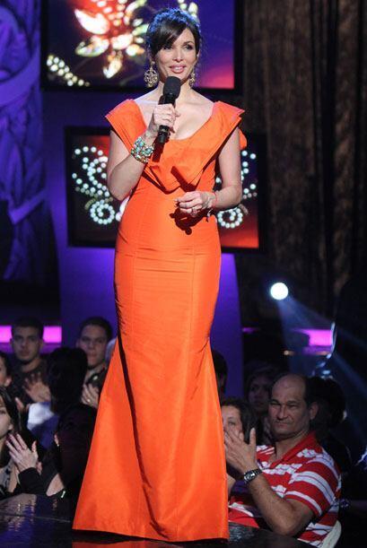 Al final de la tercera gala, Giselle lució un vestido largo y naranja de...