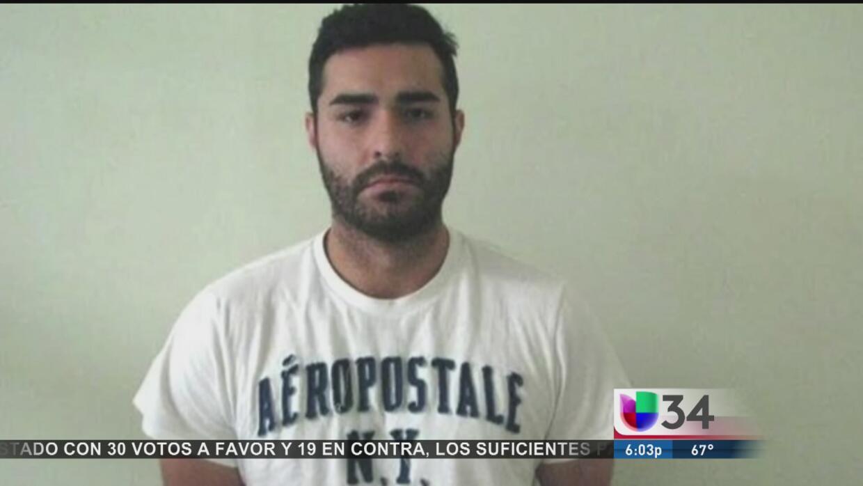 El ex policía de Los Angeles fue arrestado tras permanecer prófugo desde...