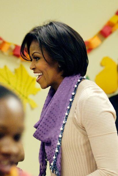 La primera dama, Michelle Obama, compartió con los invitados y regaló su...