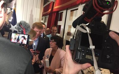 La exsheriff de Dallas, Lupe Valdez, obtiene la nominación dem&oa...